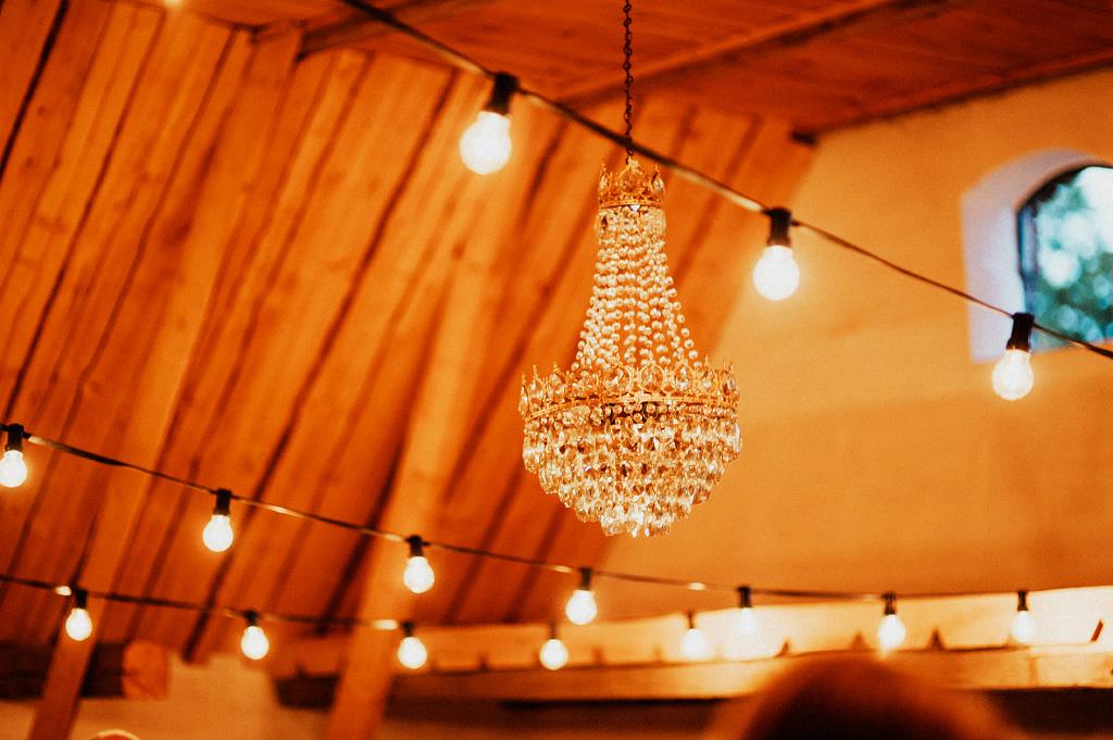 Kristallkrona till bröllopsfest i vallens säteri