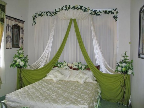 Romantic wedding room design inspiration for your wedding for Asian wedding bed decoration ideas