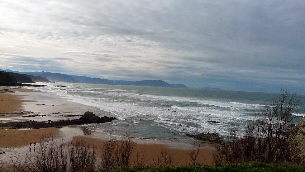 playa de sopelana bizkaia