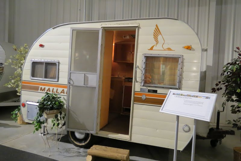 1962 13' Travel Trailer Mallard Manual