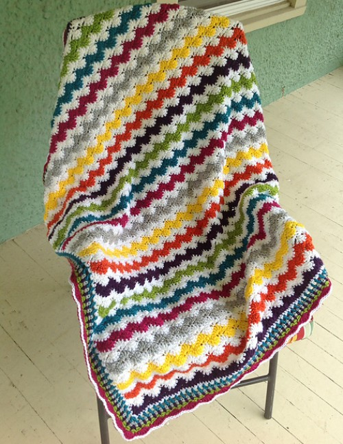 Zigzag Crochet Baby Blanket Patterns : Crochet For Children: Zigzag Shells Baby Afghan - Free Pattern