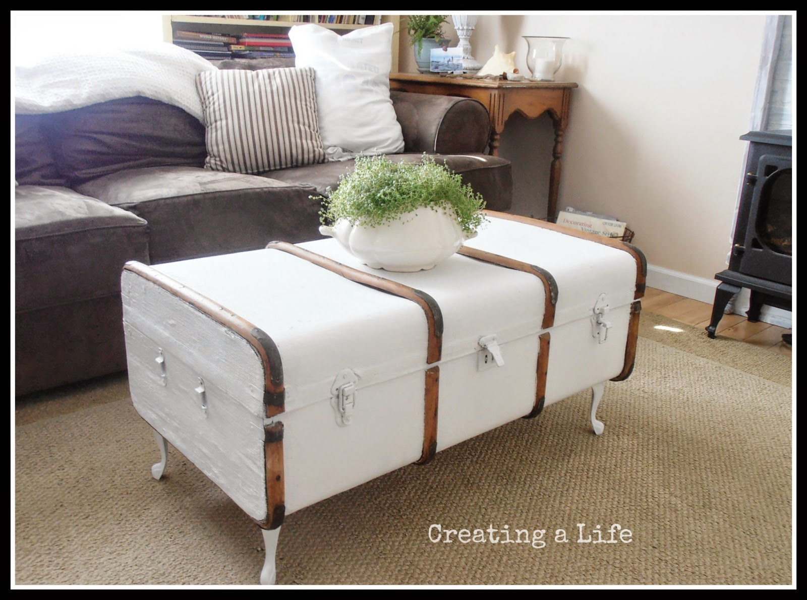 creating a life vintage trunk coffee table. Black Bedroom Furniture Sets. Home Design Ideas