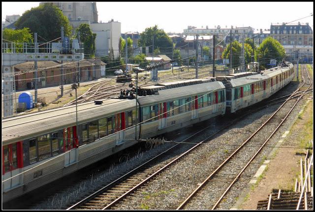 Versailles Rive Droite Transilien Train