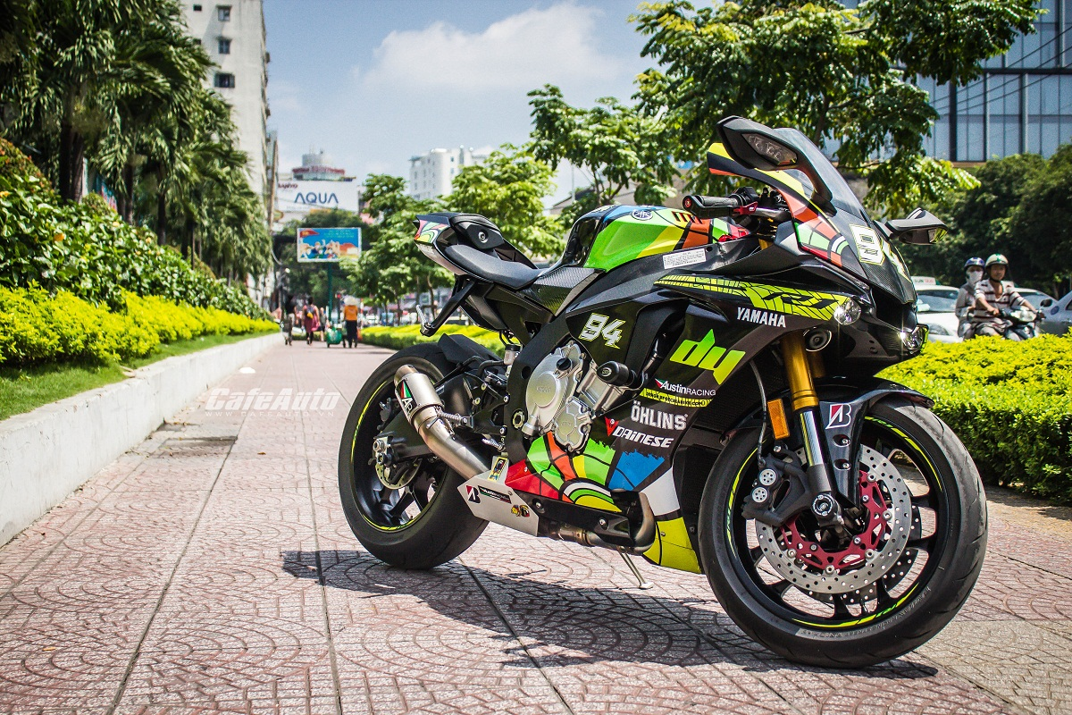 2015 Yamaha R1 Stunning Style With Valentino Rossi