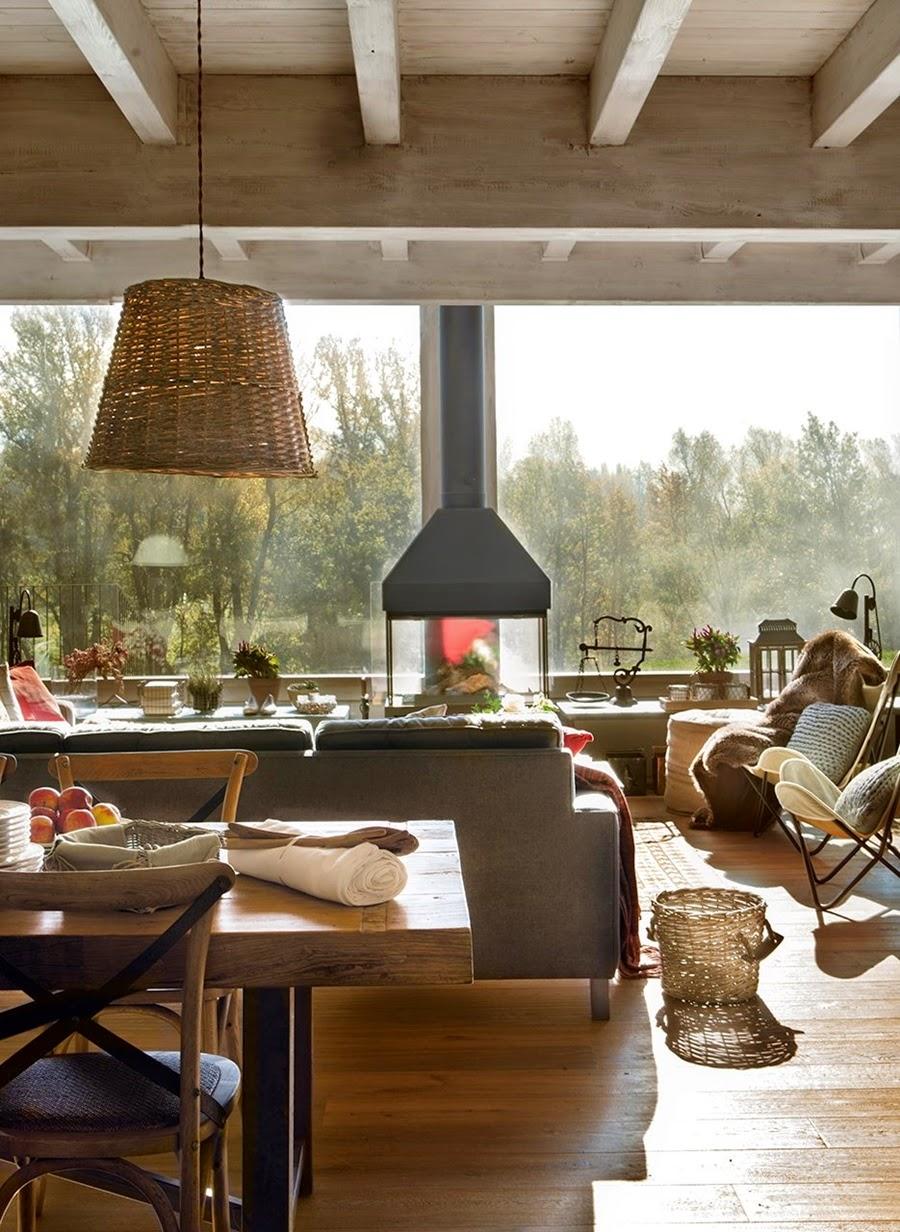 wystrój wnętrz, wnętrza, urządzanie mieszkania, dom, home decor, dekoracje, aranżacje, dom w górach, styl miejski, kominek, duże okna, salon, pokój dzienny, otwarta przestrzeń, jadalnia