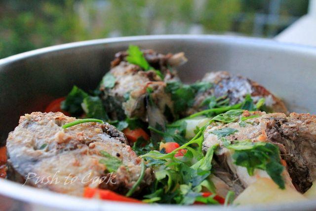 Скумбрия (локарда) с овощами
