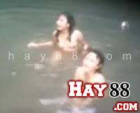 Clip sex gái Lào xì teen tắm tiên hôn nhiên | hay88.com