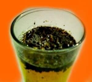 Menghilangkan bekas jerawat dengan ampas teh