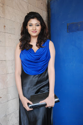 oviya spicy in blue dress for azhagan azhagi audio launch latest photos