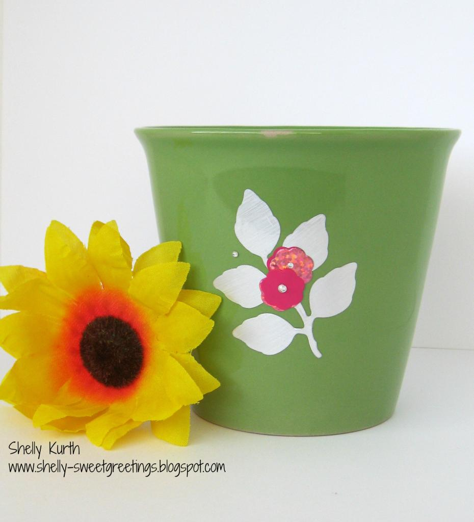 SRM Stickers Blog - Vinyl Flower Pot by Shelly - #vinyl #oracal #matte #631, #altered #spring