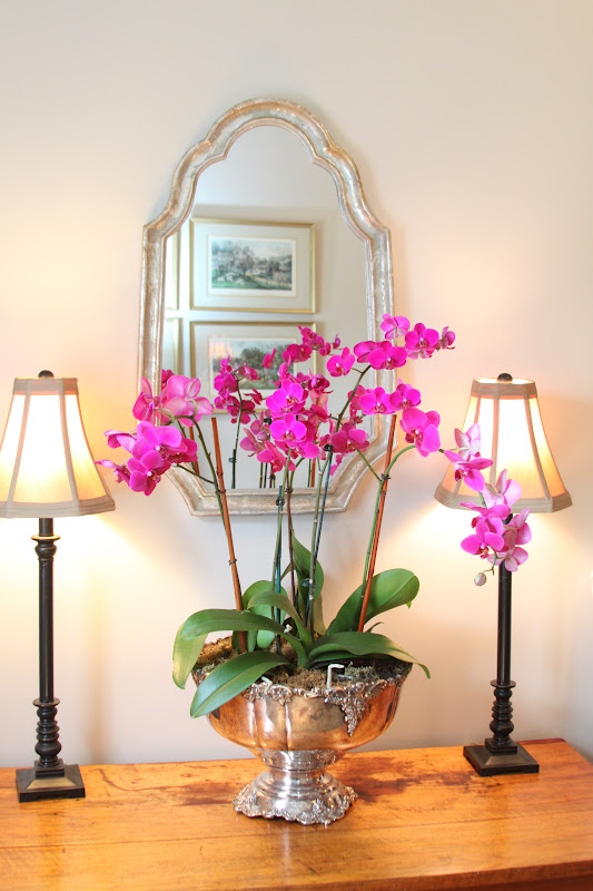 Woven home decorating with orchids for Orchid decor