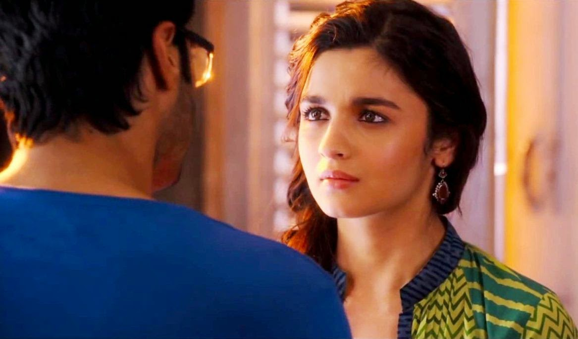 Alia Bhatt with Arjun Kapoor in 2 States HD Images