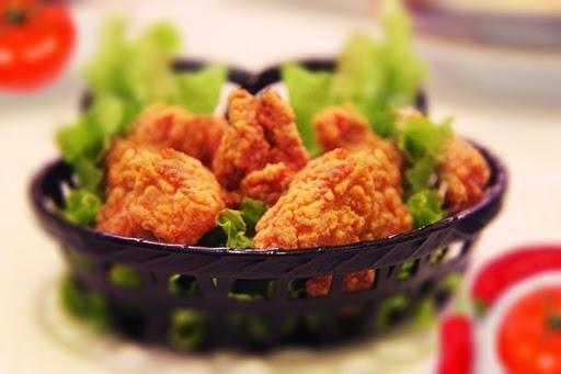 Almuerzos saludables bajos en calorias, ensalada con pollo