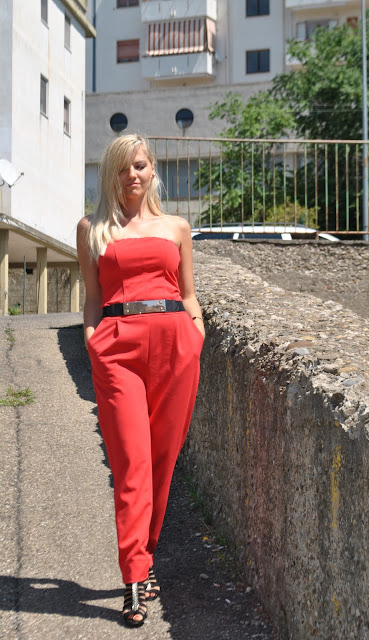 outfit rosso come abbinare il rosso abbinamenti rosso outfit 26 agosto 2015 outfit agosto outfit estivi outfit estivi donna outfit estivi eleganti donna mariafelicia magno fashion blogger colorblock by felym fashion blog italiani fashion blogger italiane blog di moda blogger italiane di moda ragazze bionde blogger bionde red outfit how to wear red red inspiration look of the day summer outfits blonde girls blonde hair