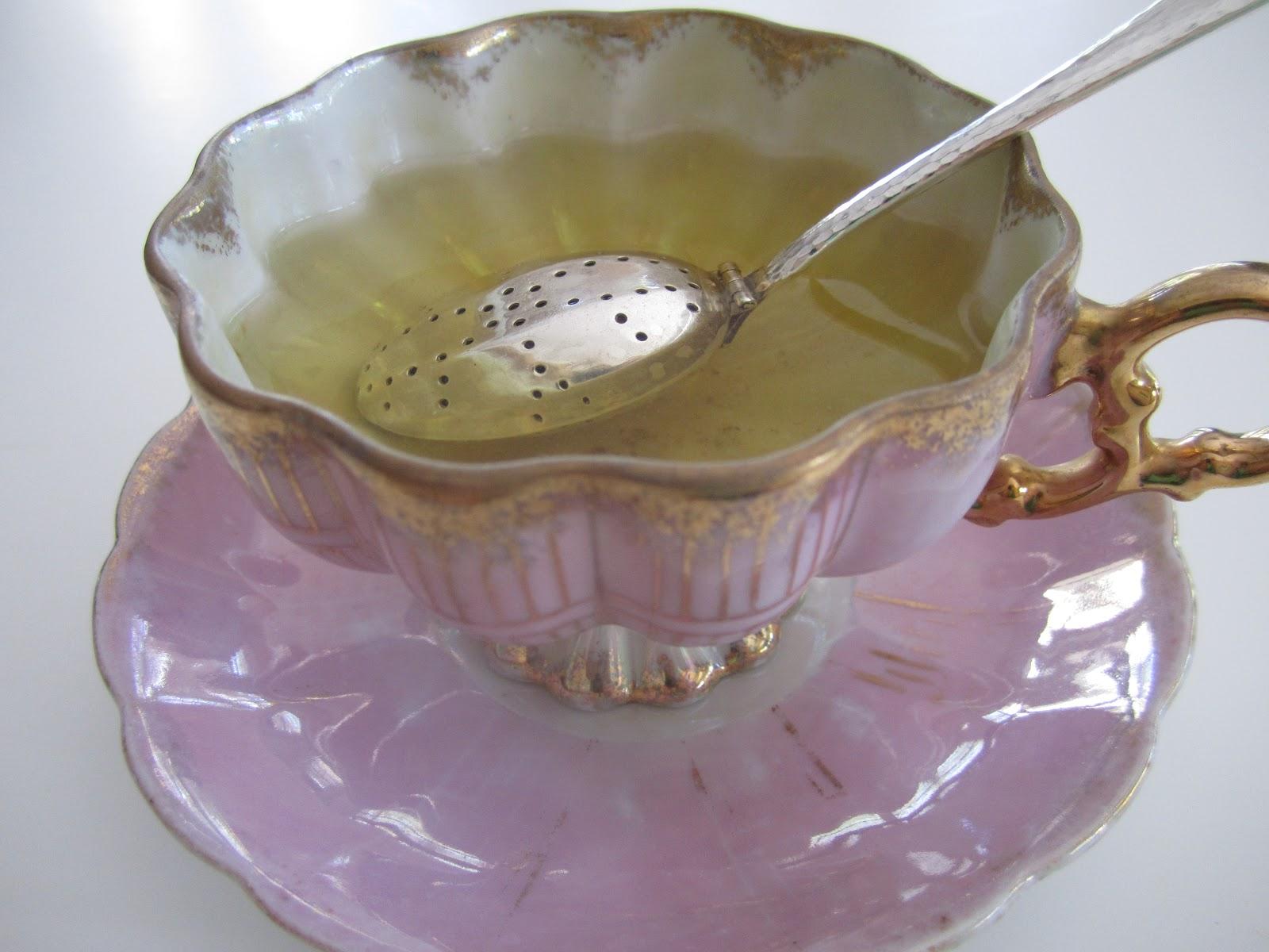 Teaspoon Tea Infuser Steeping in Tea Cup
