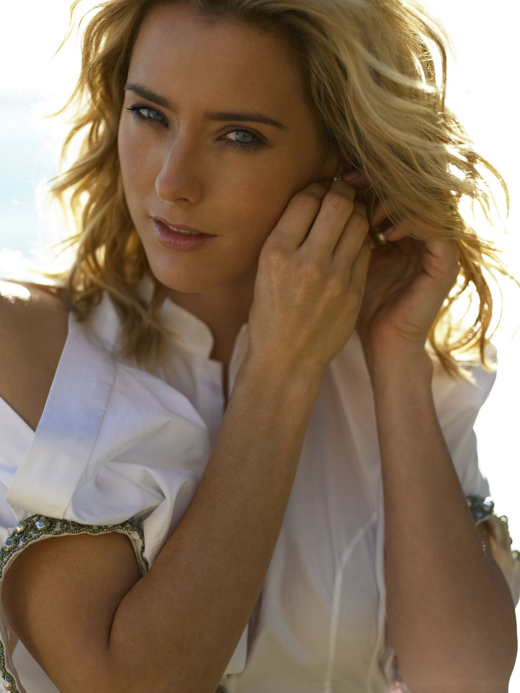 Mais, tea leoni nude