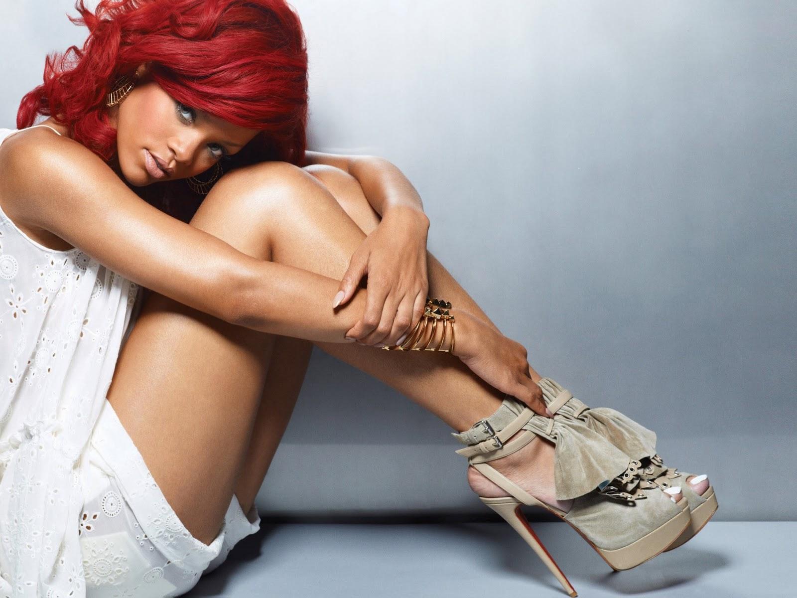 http://2.bp.blogspot.com/-hlY-SOnTX7A/TVi5TKOlWzI/AAAAAAAABTI/86p7lPwEo1E/s1600/Rihanna.jpg