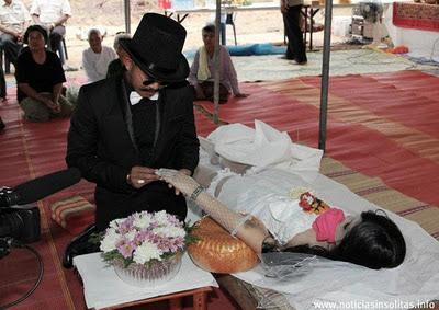 hombre se casa con mujer muerta