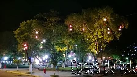 Tarde e noite de Natal de muitos encantos na Praça da Bandeira