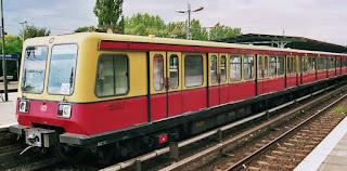 Bahnhöfe + S-Bahn: Südwest-Zugang S-Bahnhof Waidmannslust gesperrt Ab 5. August beginnt Neubau der Freitreppe für die Zuwegung des Bahnsteigs aus Richtung Jean-Jaurès-Straße