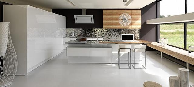 Cuisine moderne laquée blanc brillant avec façades bois. Implantation avec îlot design moderne