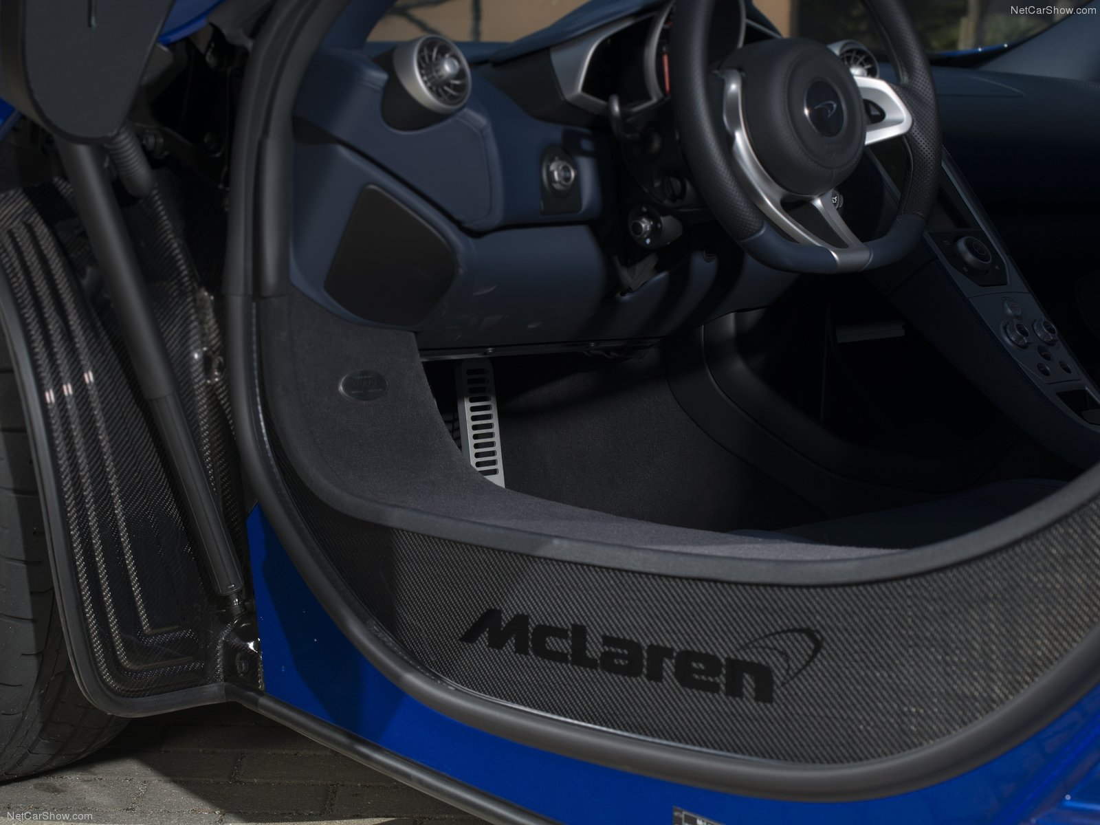 Hình ảnh siêu xe McLaren 650S 2015 & nội ngoại thất