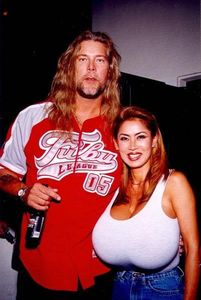 R Kelly And His Wife And Kids Kevin Nash is a Lucky ...