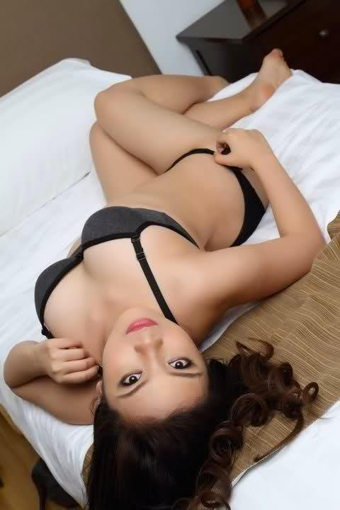 hot asian babes bikini pics 03