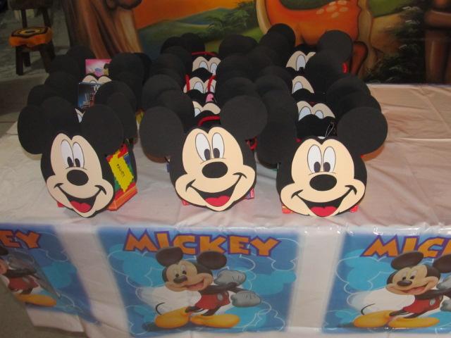 Fiesta tematica mickey mouse fiestas tematicas - Decoracion para fiestas infantiles mickey mouse ...