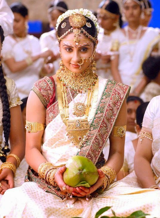 A Golden Saree Is Also Wonderful To Wear Being And Indian Like Treasure Girl Of India