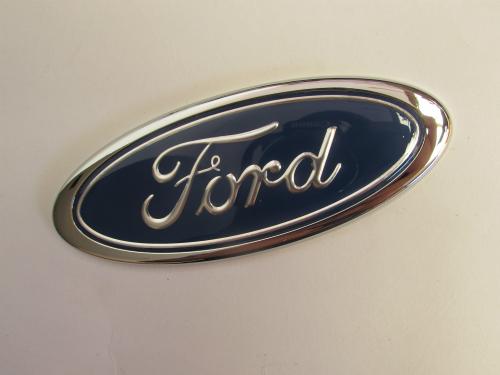 Emblem Ford ukuran 11.5x4.4