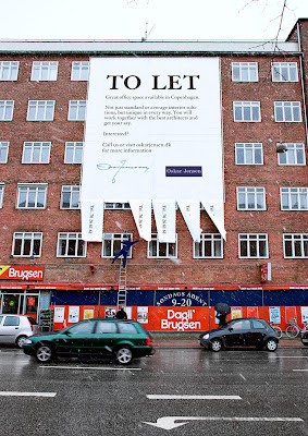 12 Clever and Creative Advertisements on Buildings (12) 9