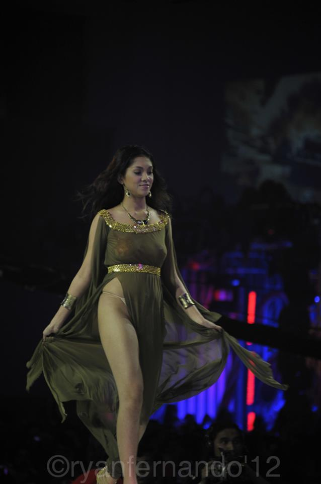 janarah fox sexy gown at the 2012 fhm philippines 100 sexiest victory party 02