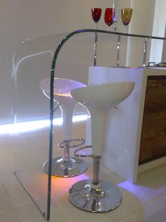foto de decoração vidro curvo newartvidros