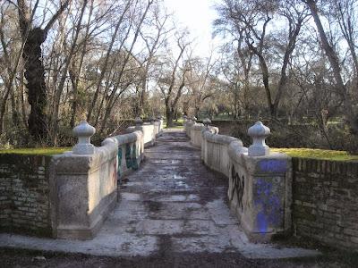 A lo largo de la ruta atravesamos diversos puentes y arroyos