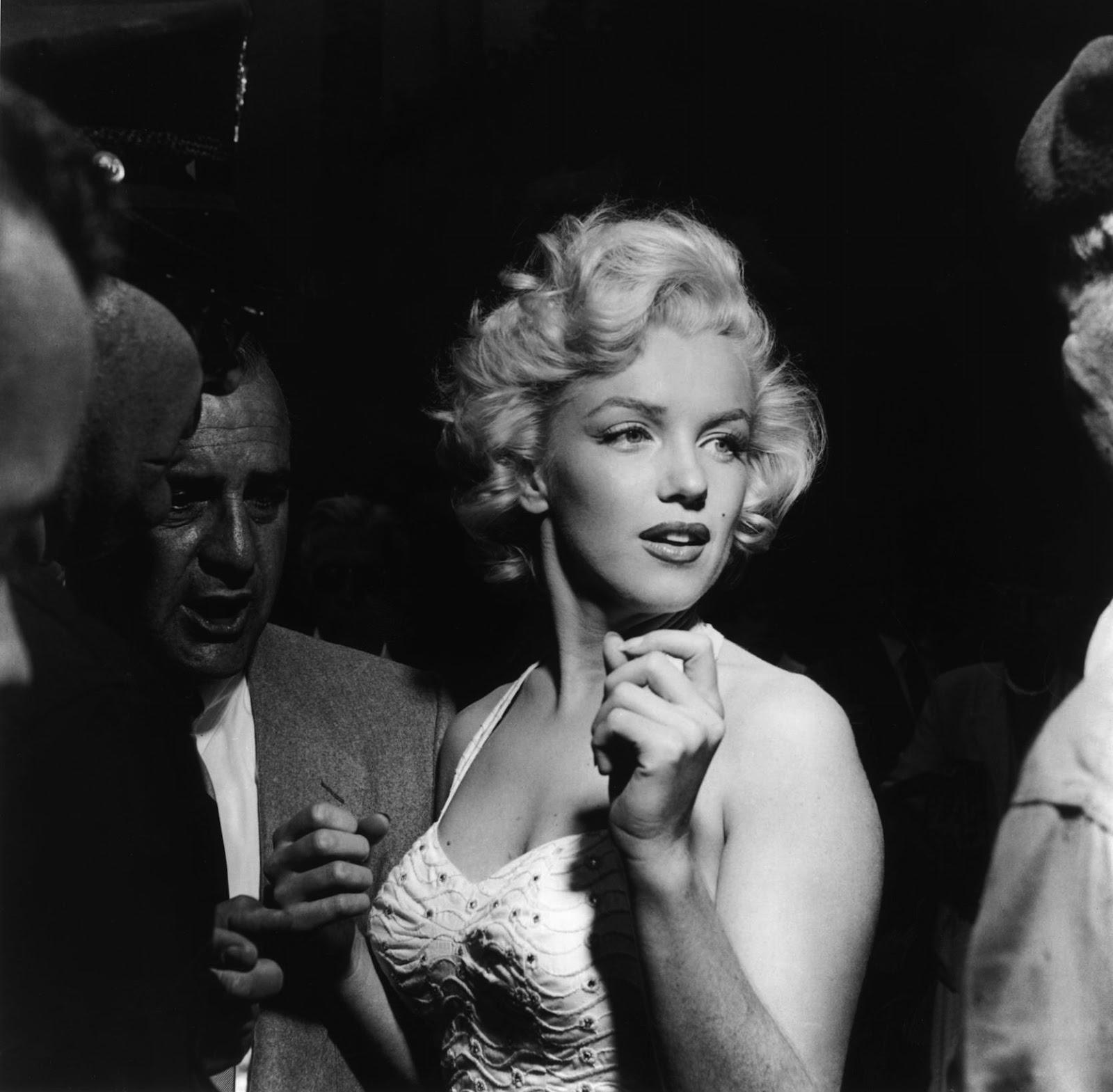 http://2.bp.blogspot.com/-hnAaCZCQQi0/UB3di3yYkkI/AAAAAAAABKE/JxH9bJN_lLk/s1600/Monroe,+Marilyn_170.jpg
