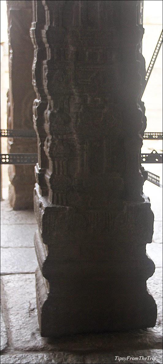Hanging Pillar - 1, Lepakshi