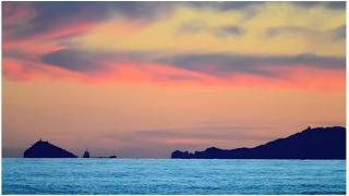 sunset surfer surf méditerranée italie Francesco Palattella, Marco Morini, Federico Tenerini