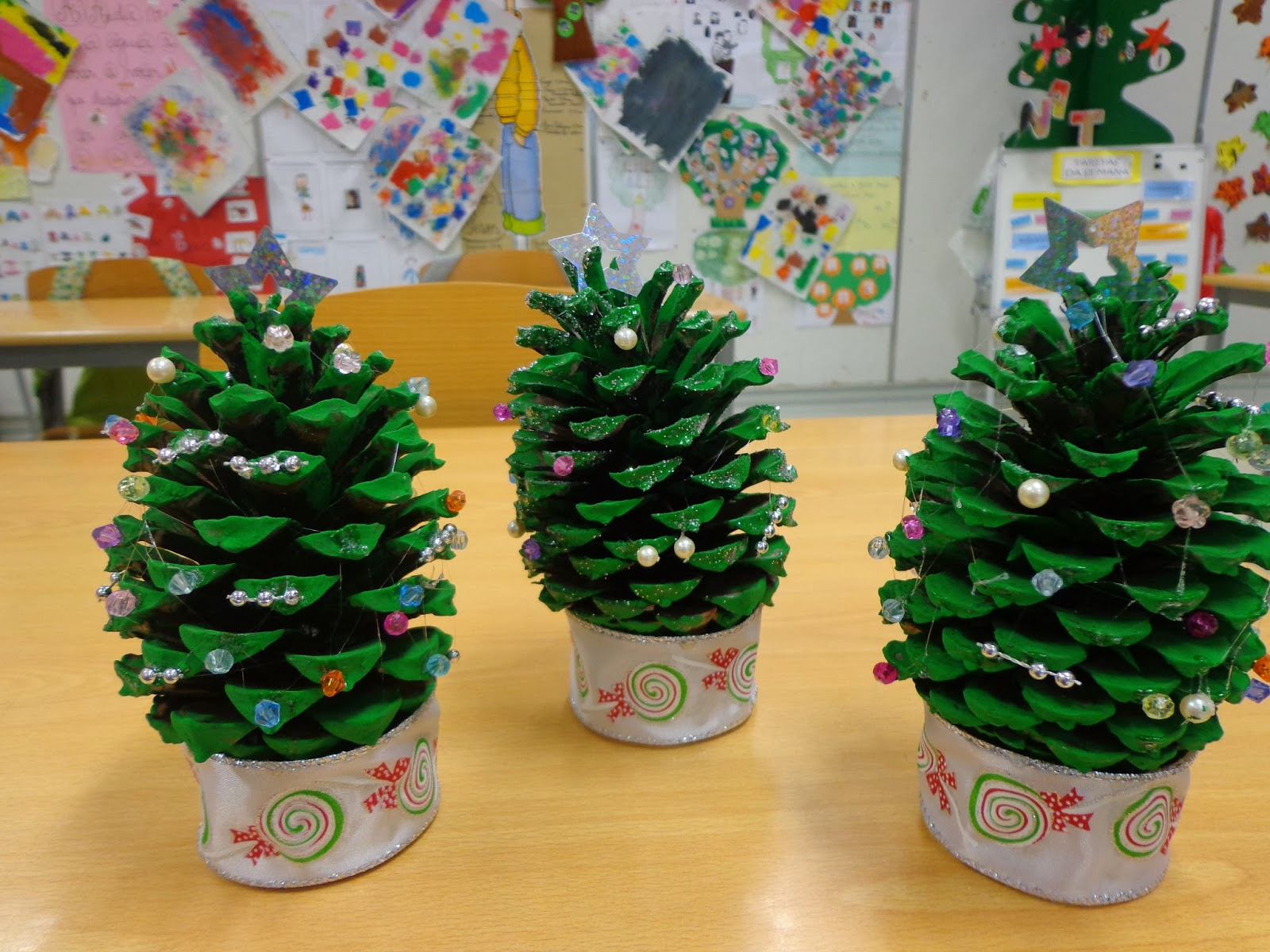 Reuse crafts pine cone christmas trees ii for Pine cone christmas tree craft