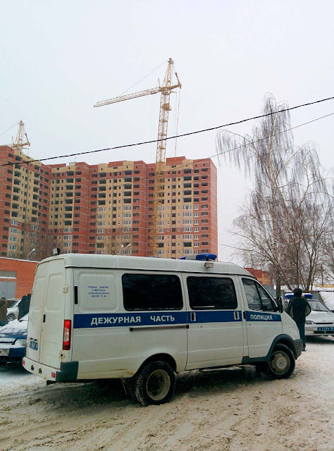 Башенный кран едва не упал на жилые дома Сергиев Посад