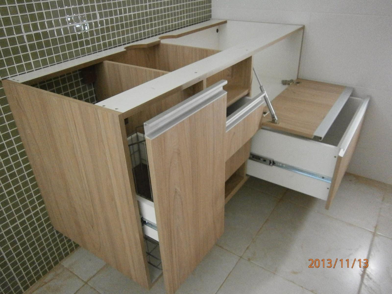 Balcão com espelho para banheiro em madeira maciça de Imbúia #5F4E36 1600x1200 Balcão De Banheiro Em L