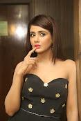 Parul Yadav latest glam pics-thumbnail-15