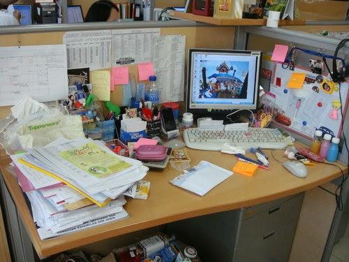 Posisi meja kerja untuk mencari lowongan pekerjaan