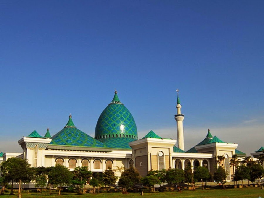 Masjid-Al-Akbar-Surabaya
