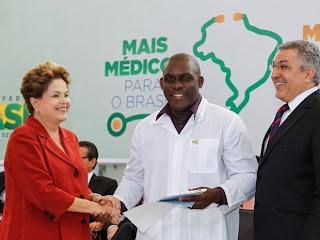 Dilma e Padilha pediram desculpas em nome do povo brasileiro ao Dr. Juan Delgado, pelas grosserias feitas pela militância de jaleco do PSDB em Fortaleza.