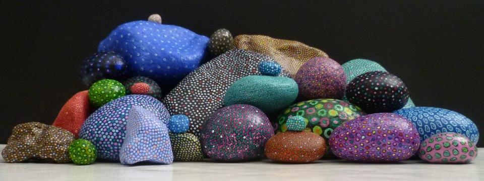 Las colecciones de mi vida pintura en piedras for Pintura para pintar piedras