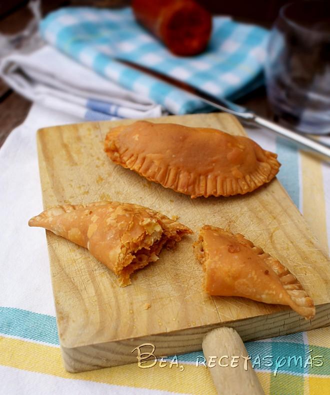 Empanadillas con sobrasada y queso Mahon