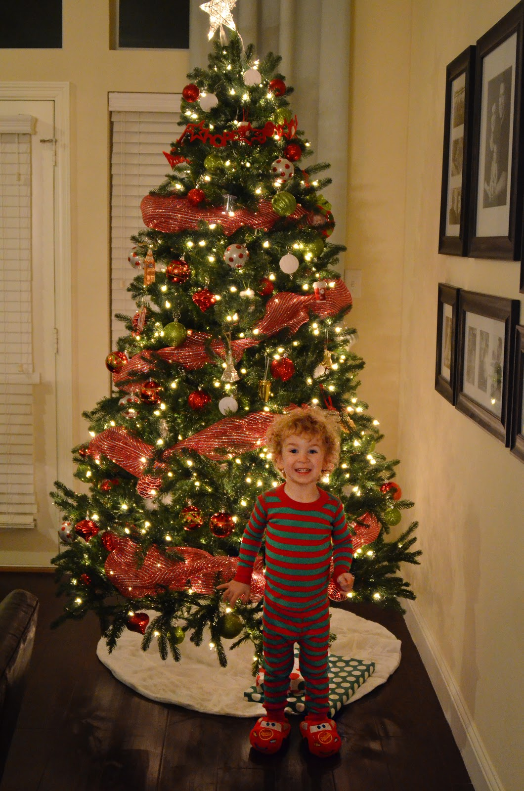 How to put ribbon garland on a christmas tree review ebooks - Christmas tree with ribbons ...