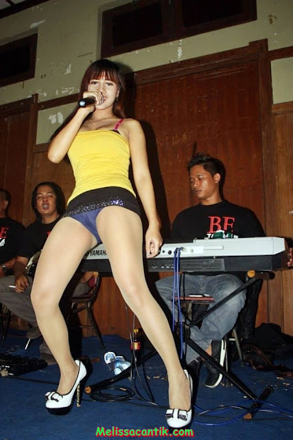 Selly, Indonesian Dangdut Singer (Sexy Big Boobs) Pictures