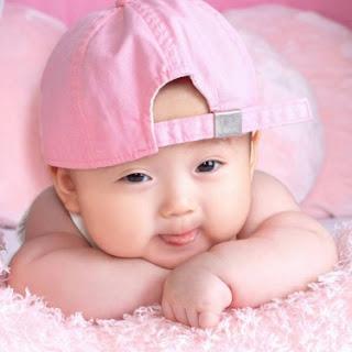 Foto Anak Bayi Laki Lucu